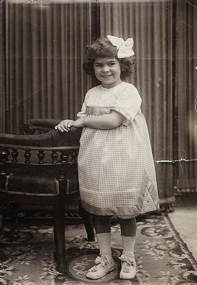 Aos 4 aos, em 1911.
