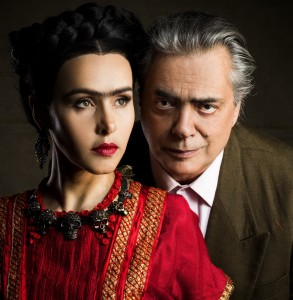 Leona Cavali e José Rubens Chacha como Frida e Diego no teatro
