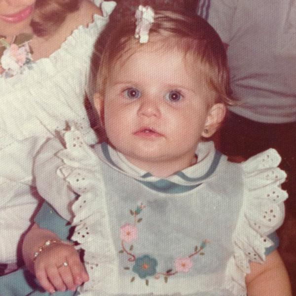 Karina Bacchi criança (Foto: Instagram / Reprodução)