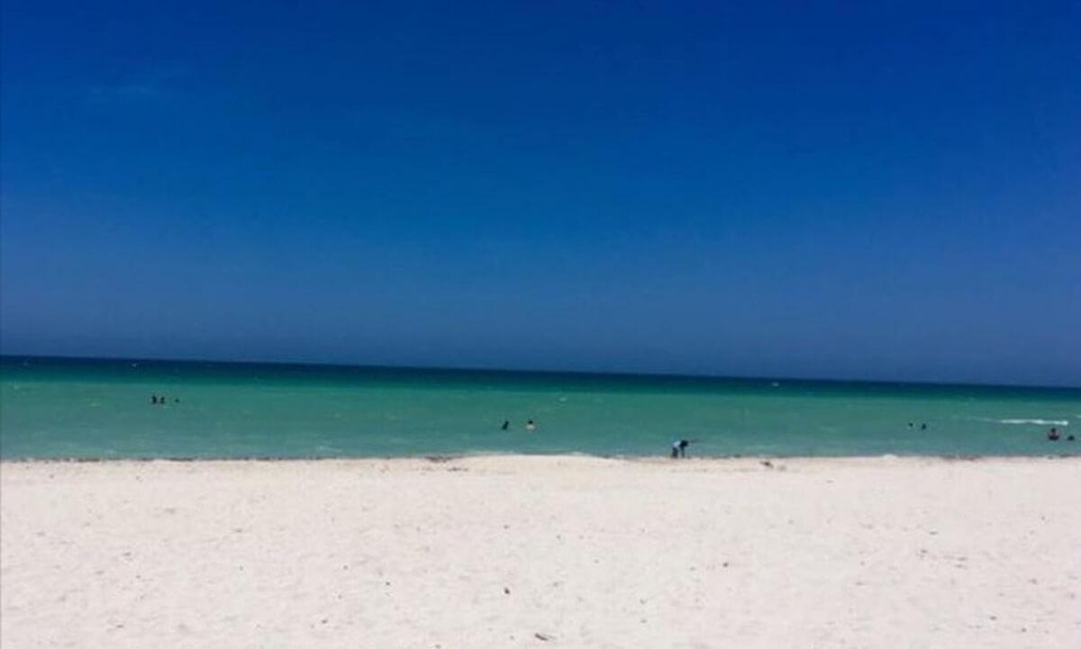 foto com copia - Para você isto é uma porta ou uma praia?