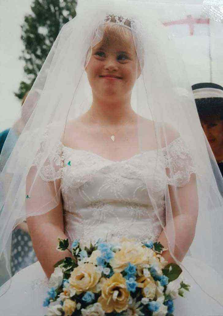 42182286 1435876423212896 2127792472783323136 n - Casal com síndrome de Down comemora 23 anos de casamento